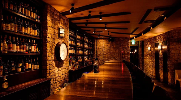Rare whisky bar Cask Strength in Roppongi, Tokyo